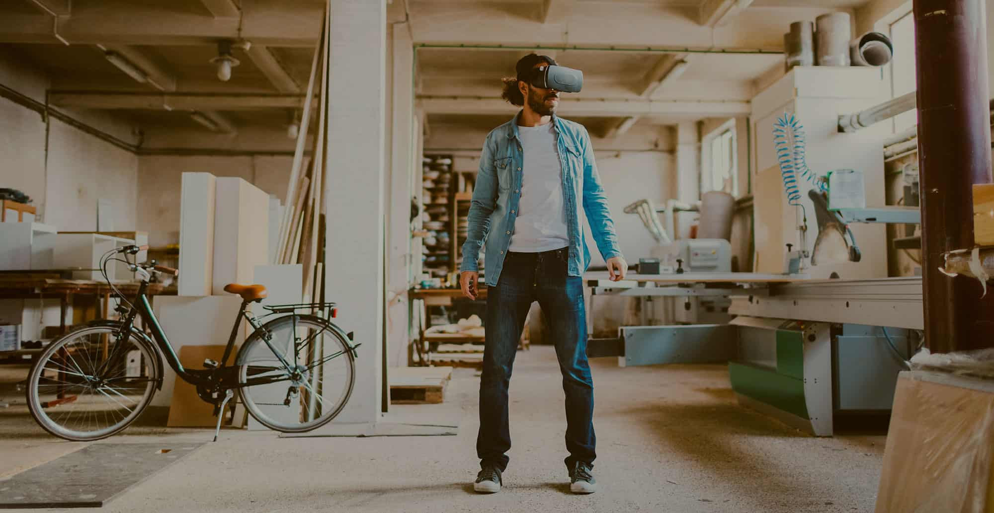 VR Customer Engagement: 3 Ways Virtual Reality Is Revolutionizing Customer Conversations