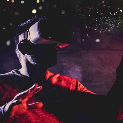 creator that pioneered virtual reality